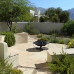 Flagstone patio with seatwalls and raised planters | 2008 ALCA Award of Excellence